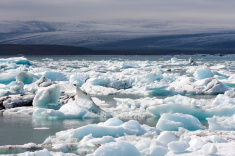 stock-photo-90729791-icelandic-icebergs